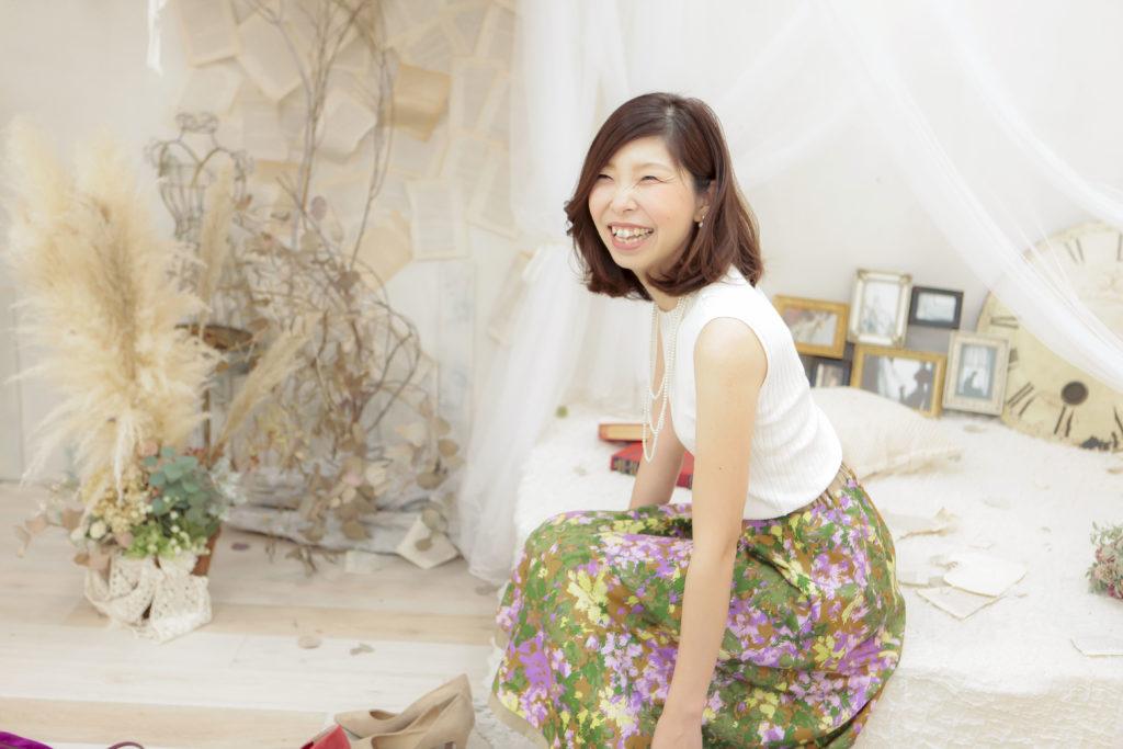 笑う悦子さん